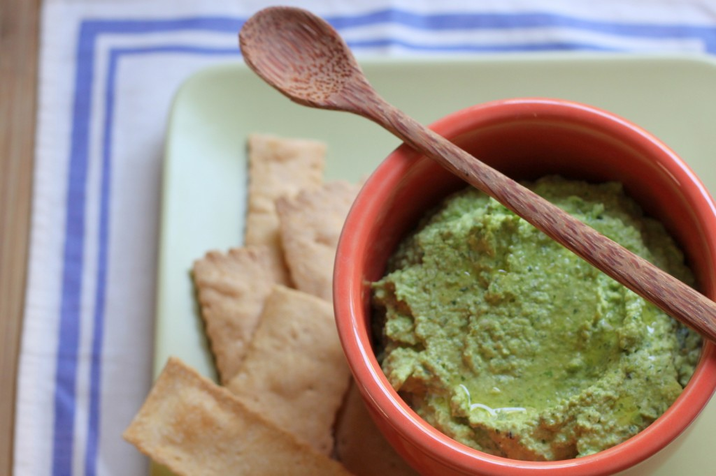 Hummus with a colorful twist: Fresh Pea Hummus